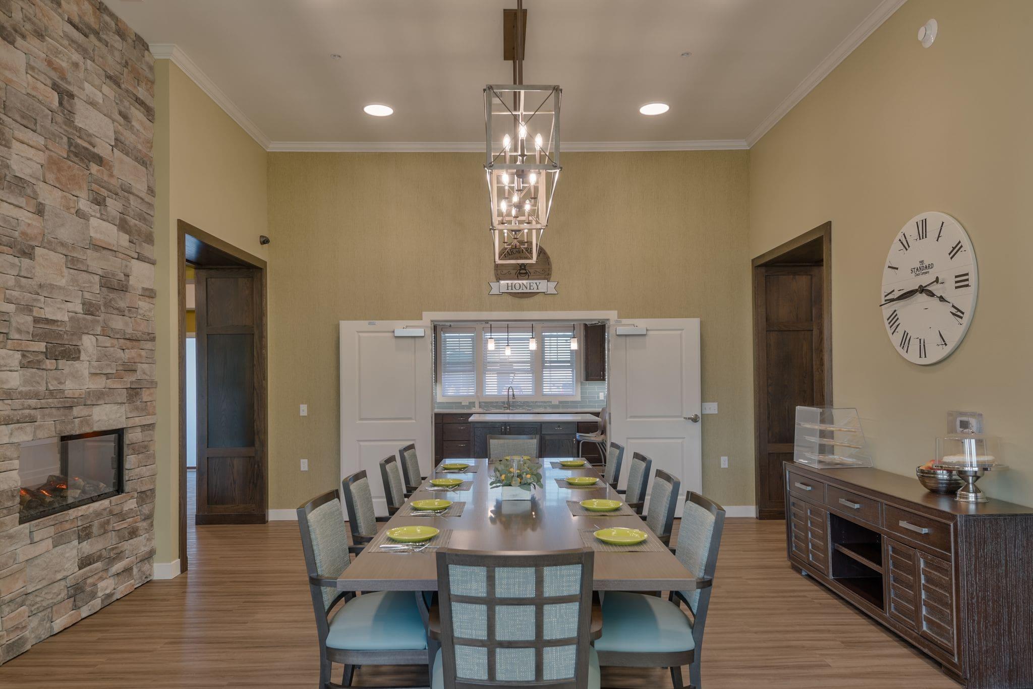 dining room 3-min